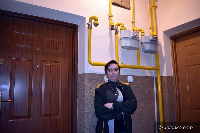 Jelenia Góra: Rodzina z piątką dzieci wciąż czeka na gaz