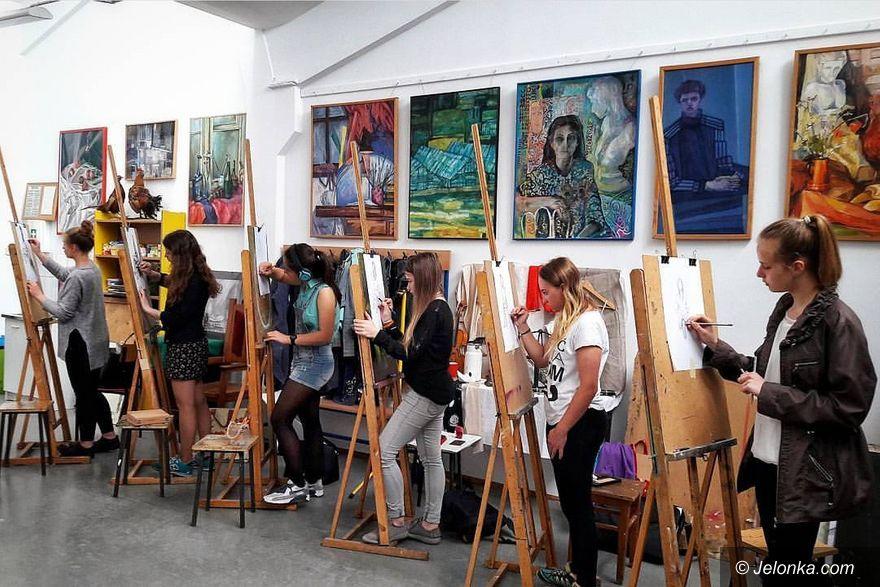 Jelenia Góra: Bezpłatne zajęcia z rysunku i malarstwa