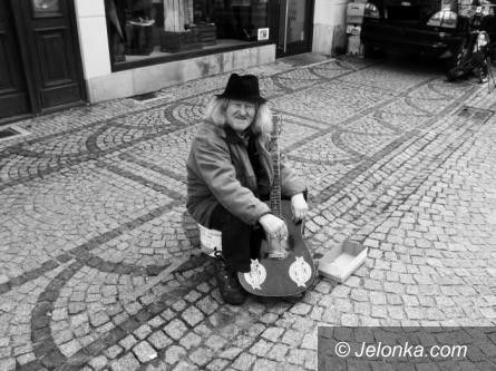 Jelenia Góra: W 2. rocznicę śmierci Staszka spotkanie pod zegarem