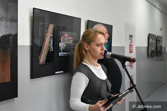 Jelenia Góra: Wernisaż poplenerowej wystawy fotografii