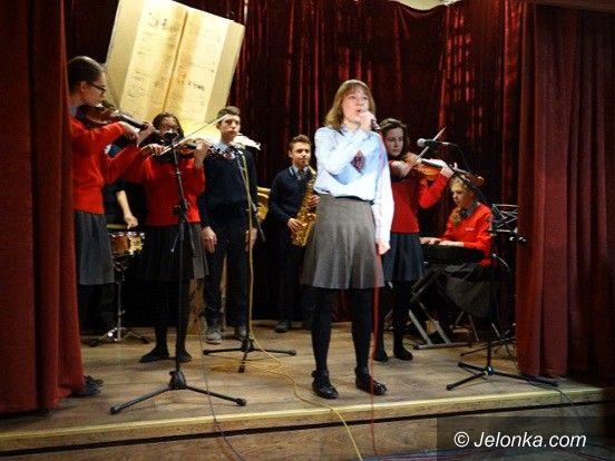 Jelenia Góra: Poezja nie tylko śpiewana w MDK