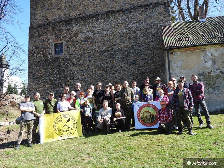 Region: Wiosenne porządki przy Wieży Książęcej