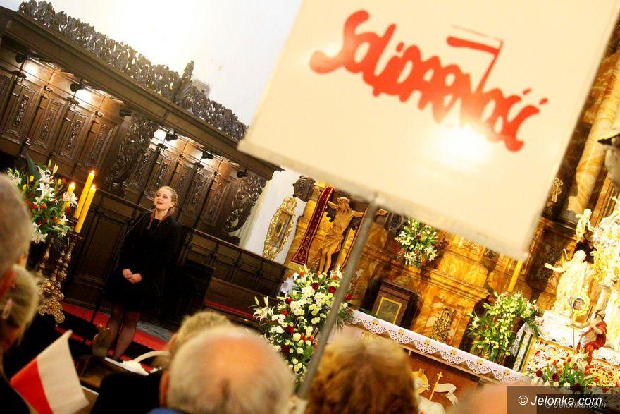 Jelenia Góra: Modlili się w rocznicę katastrofy smoleńskiej