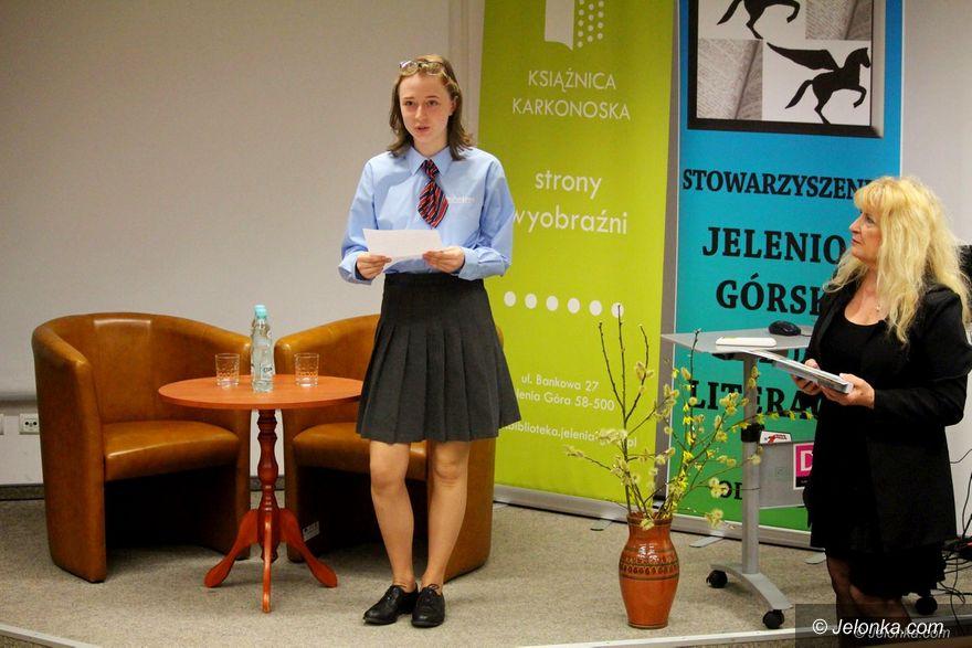 Jelenia Góra: Młodzież i seniorzy kochają poezję