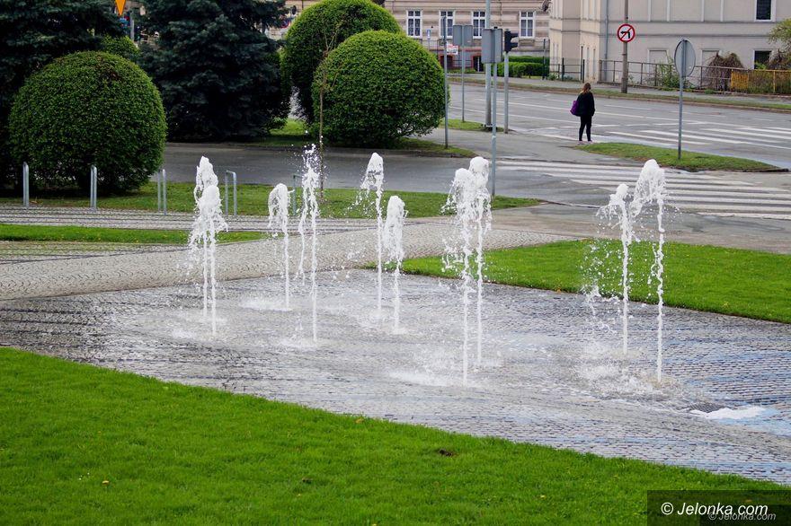 Jelenia Góra: Fontanny uruchomione, zieleń miejska pielęgnowana