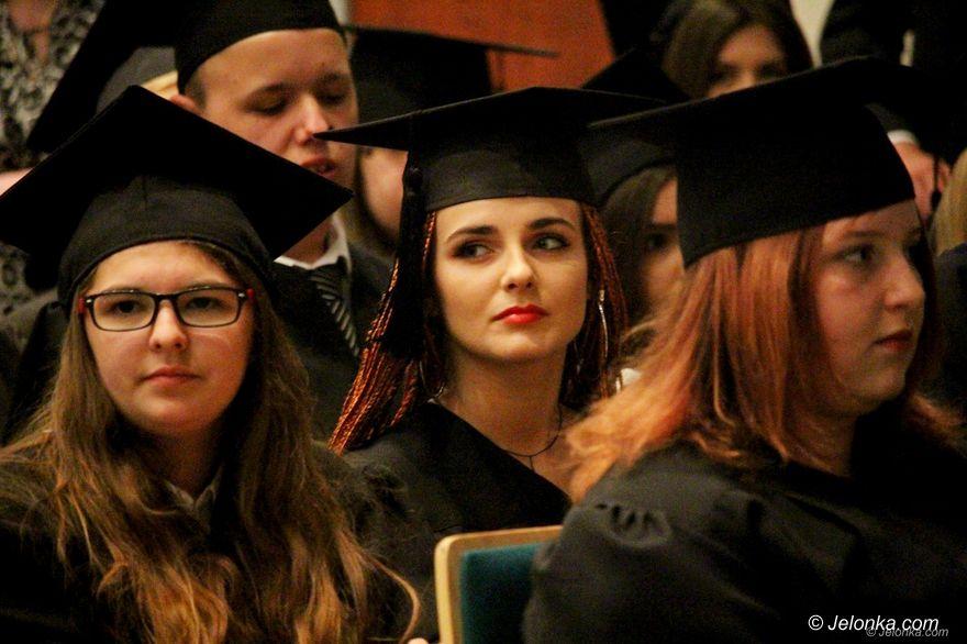 Jelenia Góra: Żegnaj szkoło – czas na maturę!