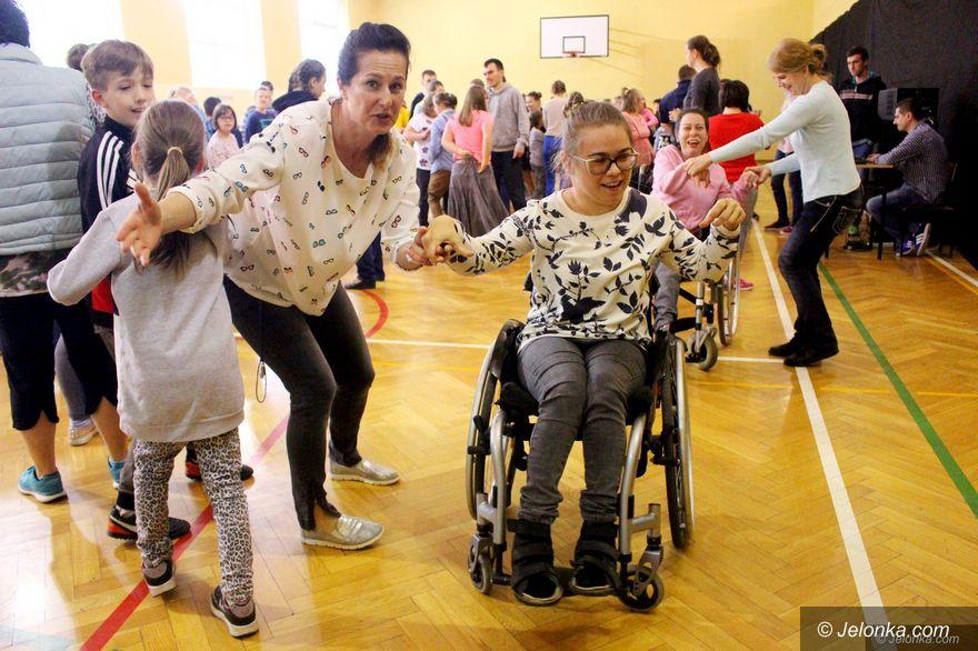 Jelenia Góra: Integracyjny Dzień Tańca w SOSW