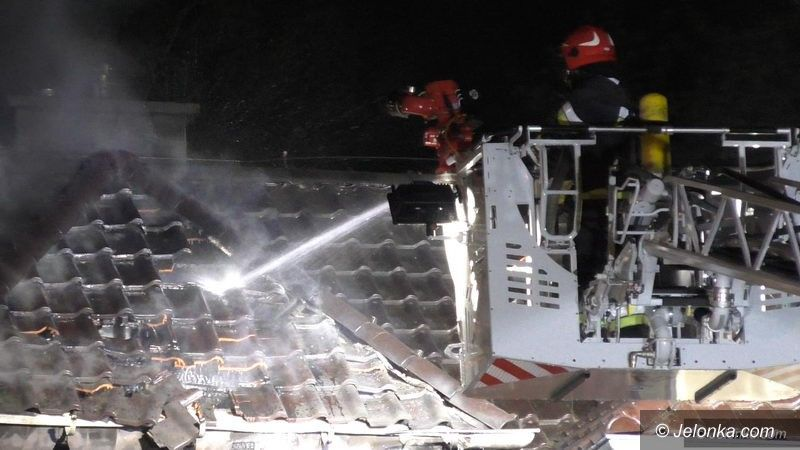 Jelenia Góra: Płonął budynek przy Kruszwickiej
