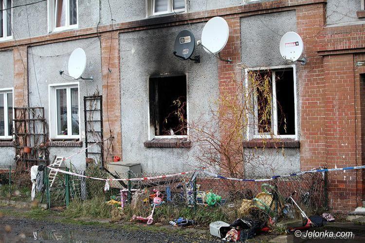Jelenia Góra: Akt oskarżenia dla matki za śmierć jej trójki dzieci