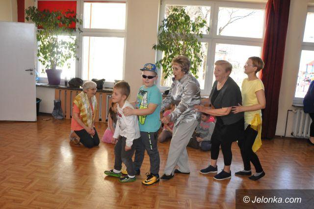 Jelenia Góra: Wiosenne tańce w kręgu