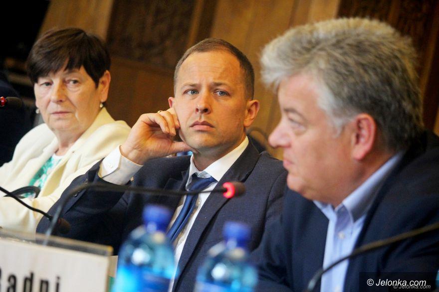Jelenia Góra: Na sesji kompromis