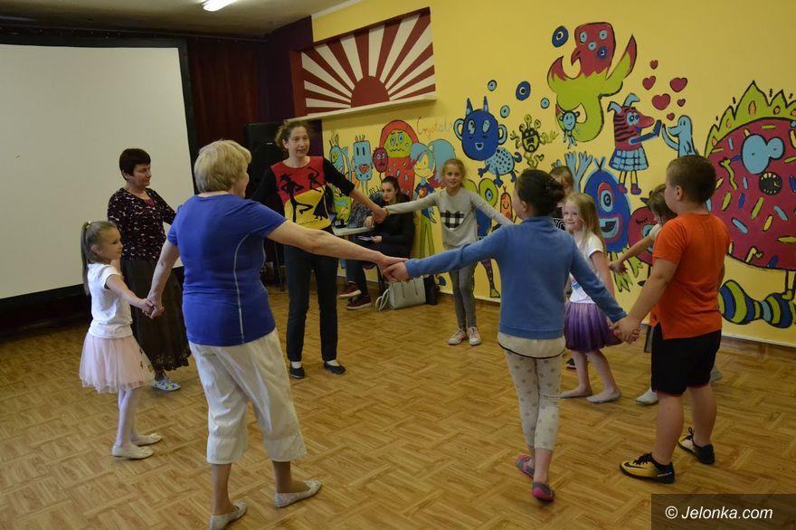 Jelenia Góra: Taneczna podróż w kręgu