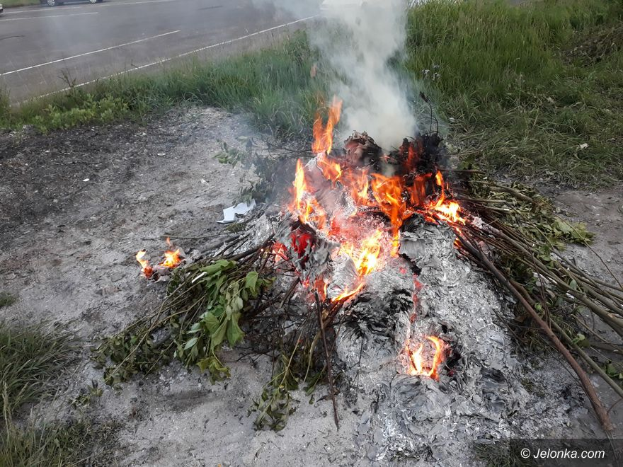 Jelenia Góra: Za palenie odpadów – mandat