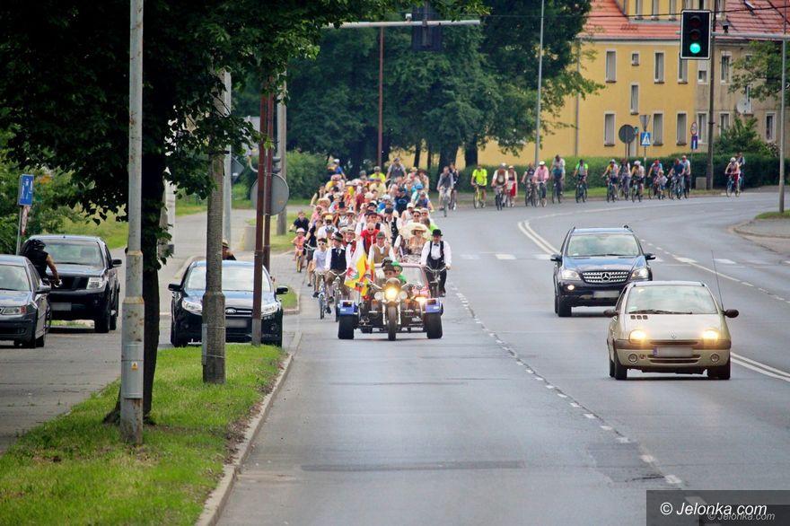 Jelenia Góra: Rowerowa Parada Retro