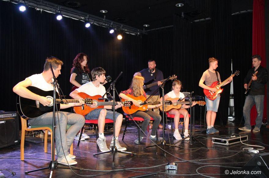 Jelenia Góra: Gitarowa i śpiewająca wizytówka