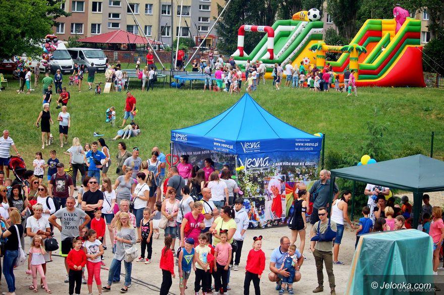 """Jelenia Góra: Festyn w """"Jedenastce"""""""