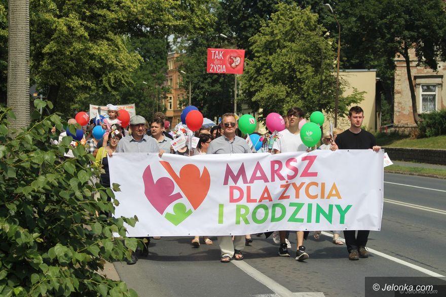 Jelenia Góra: Rodzinny marsz na festyn