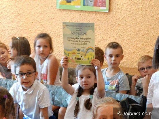 Jelenia Góra: Dyplomy i nagrody dla małych artystów