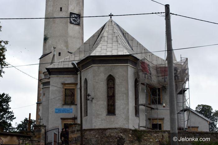 Stara Kamienica: Świątynia z XV w. pięknieje