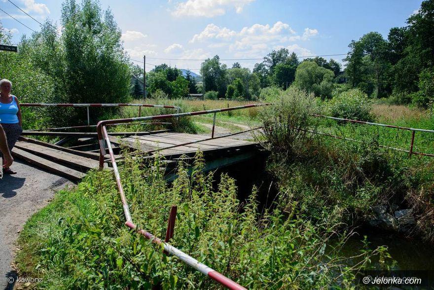Janowice Wielkie: Zniszczony most w Janowicach Wielkich