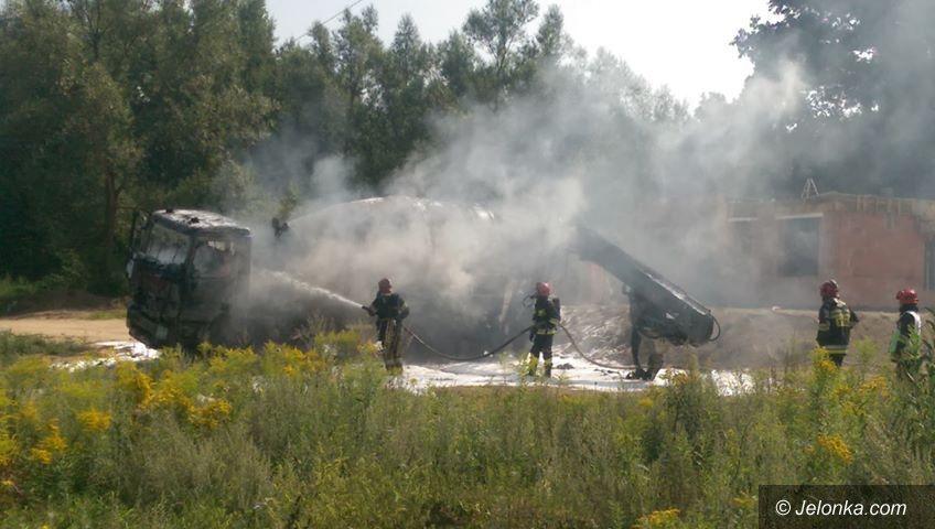 Jelenia Góra: Pożar betoniarki przy ul. PCK w Cieplicach