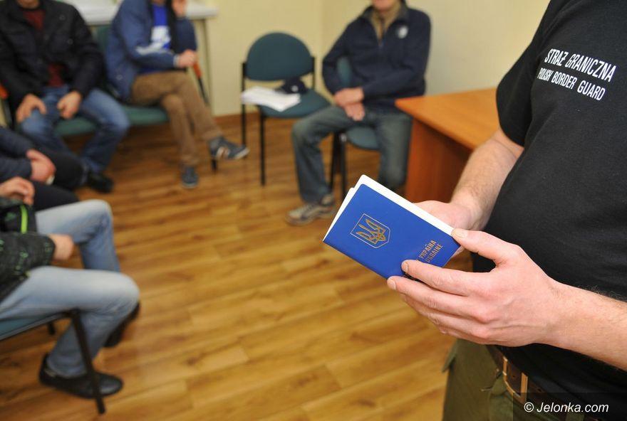 Jelenia Góra: Mieli legalnie pracować w Polsce