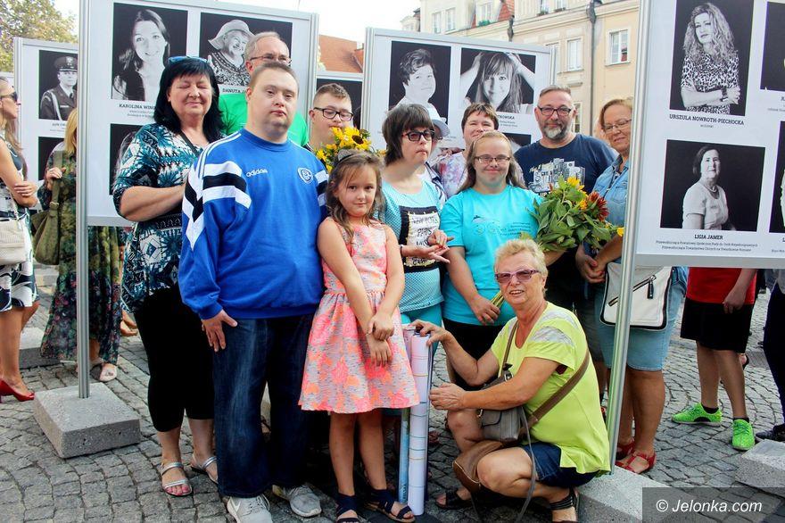 Jelenia Góra: Wystawa z okazji 100 lat praw wyborczych kobiet
