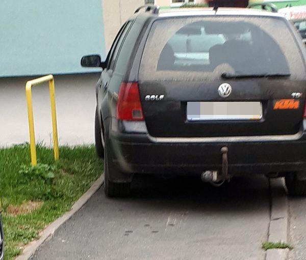 Jelenia Góra: Czerwona kartka za takie parkowanie!