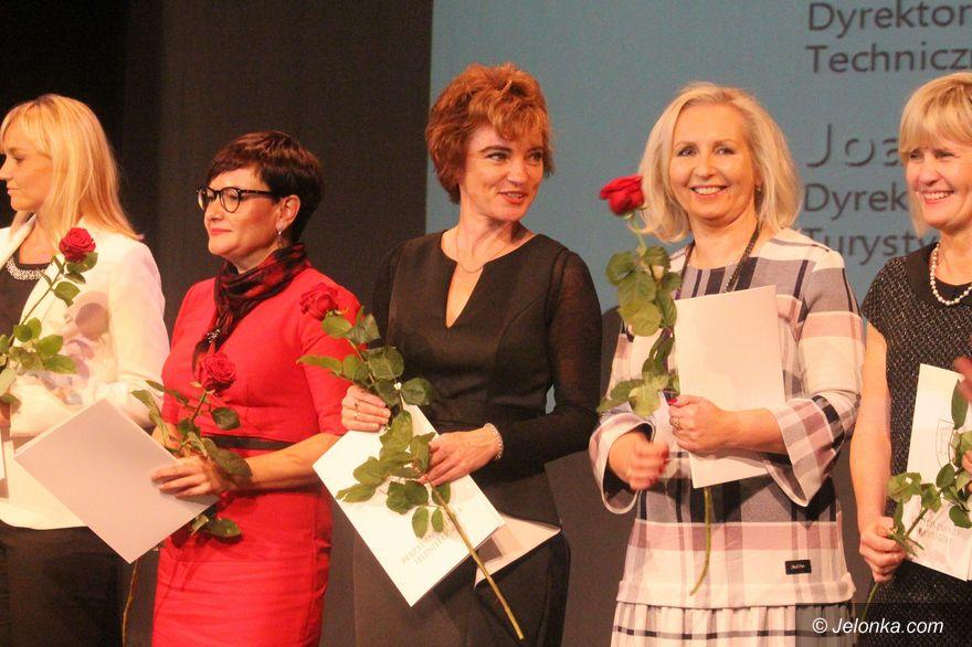 Jelenia Góra: Medale i nagrody w oświacie