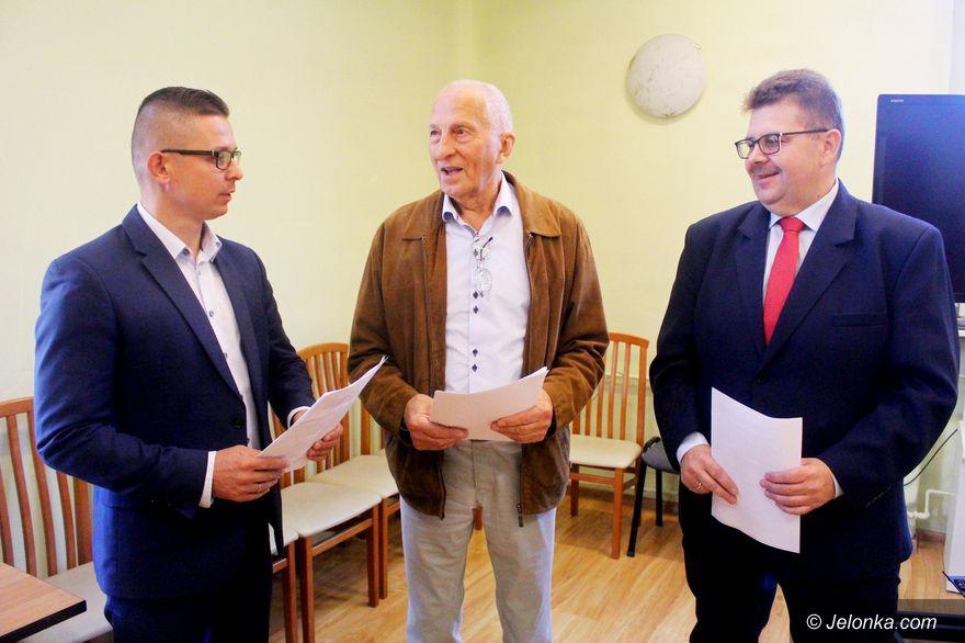 Jelenia Góra: Skandaliczna postawa – sesji rady miasta nie było!