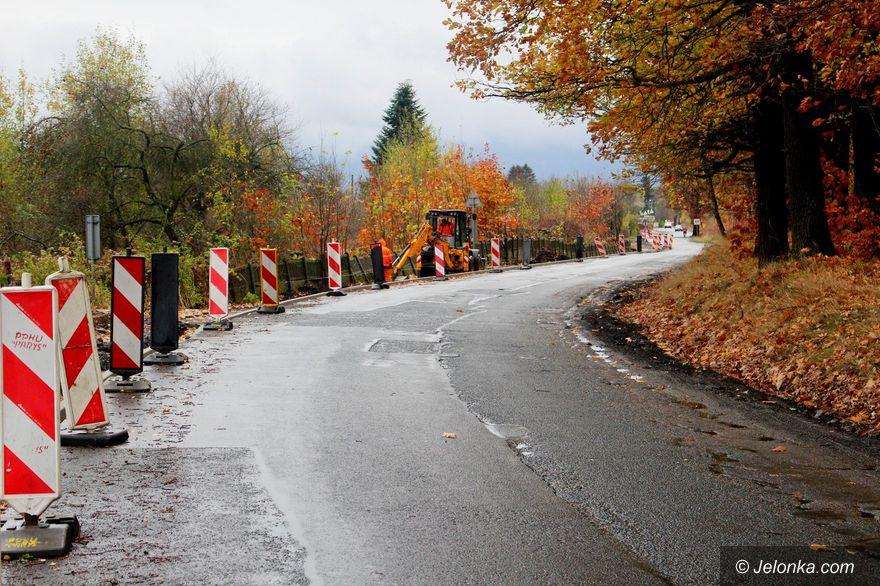Jelenia Góra: Drugi etap remontu ulicy Łomnickiej