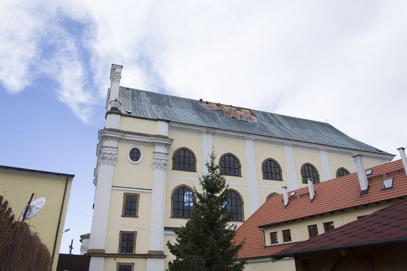 Region: Wichura zerwała dach z kościoła w Krzeszowie