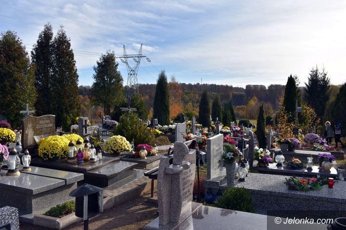 Janowice Wielkie: Wszystkich Świętych na janowickich cmentarzach
