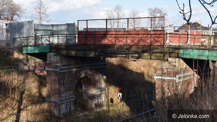 Piechowice: Rozbiórka wiaduktów odłożona