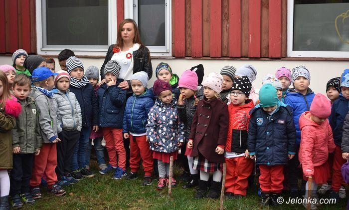 Jelenia Góra: Przedszkolaki świętowały z pułkownikiem