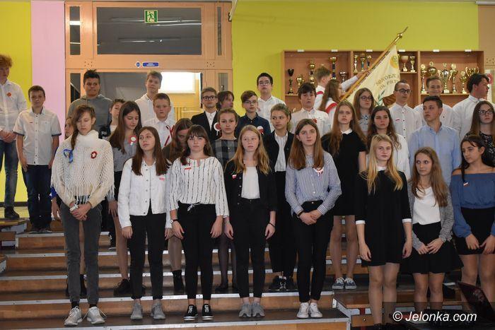 Jelenia Góra: Hymn na 900 głosów