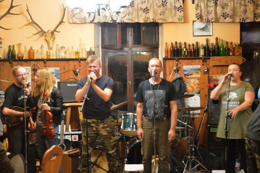 Region: Hymn, blues i ogień