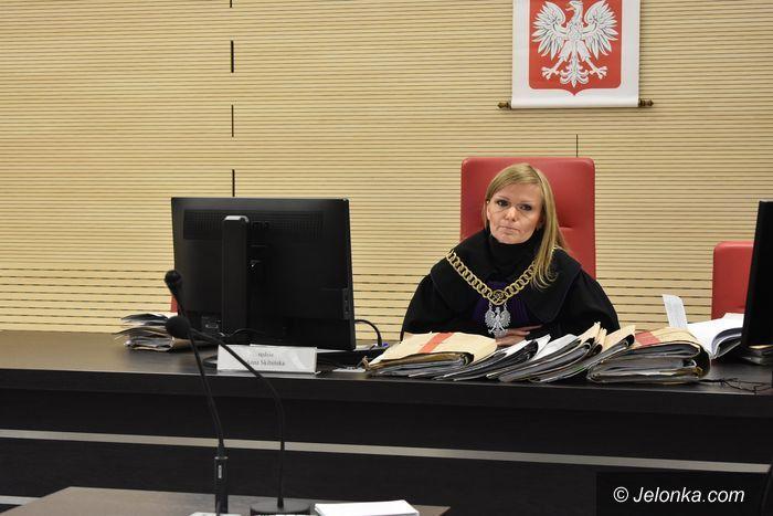 Jelenia Góra: Zapadł (łagodny) wyrok dla działaczy KOD–u
