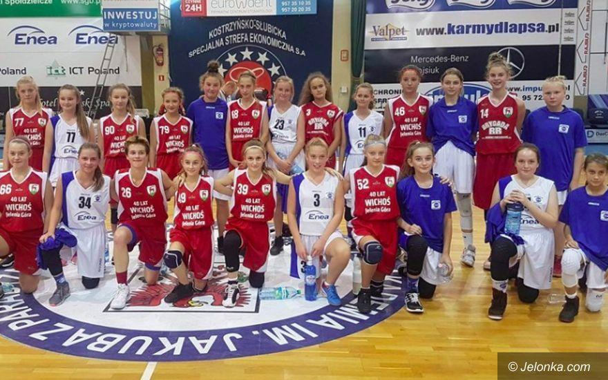 Jelenia Góra: Derbowe zwycięstwo koszykarek Wichosia