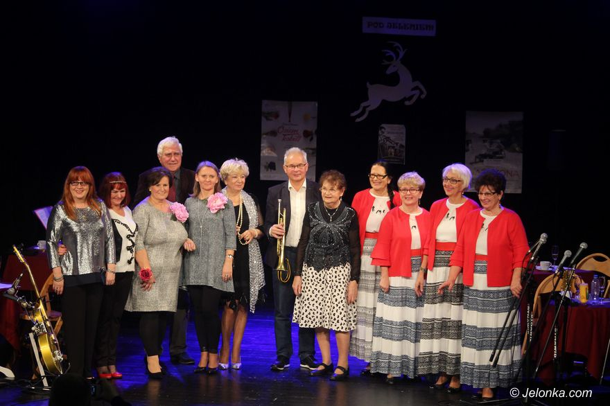 Jelenia Góra: Seniorzy muzycznie i kabaretowo w JCK