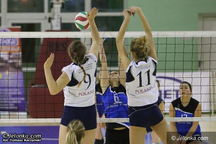 Jelenia Góra: Zagrają w siatkówkę i pomogą dzieciakom!