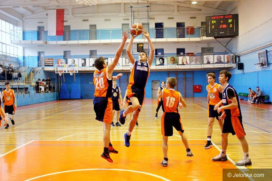 Jelenia Góra: Zacięta walka młodych koszykarzy
