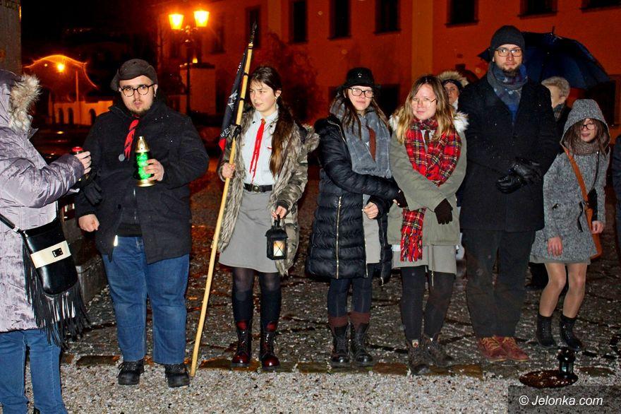 Jelenia Góra: Harcerze przekazali Betlejemskie Światełko