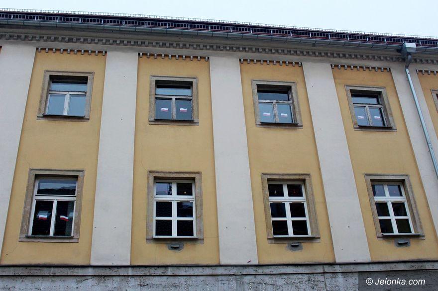 Jelenia Góra: Wymiana stolarki okiennej w Handlówce
