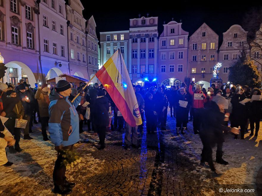 Jelenia Góra: Hołd Prezydentowi Gdańska pod Ratuszem