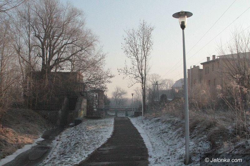 Jelenia Góra: Ciemno na trasie do Grzybka