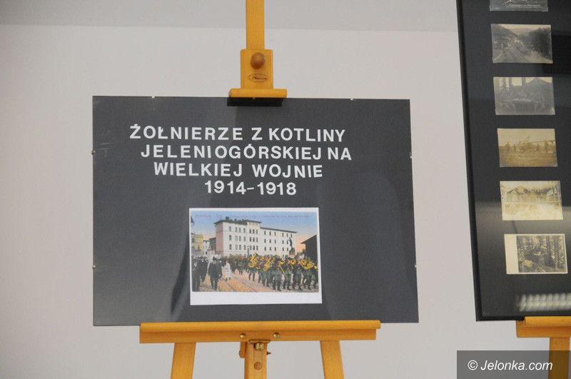 """Jelenia Góra: """"Powstała aby żyć"""" – finisaż wystawy"""