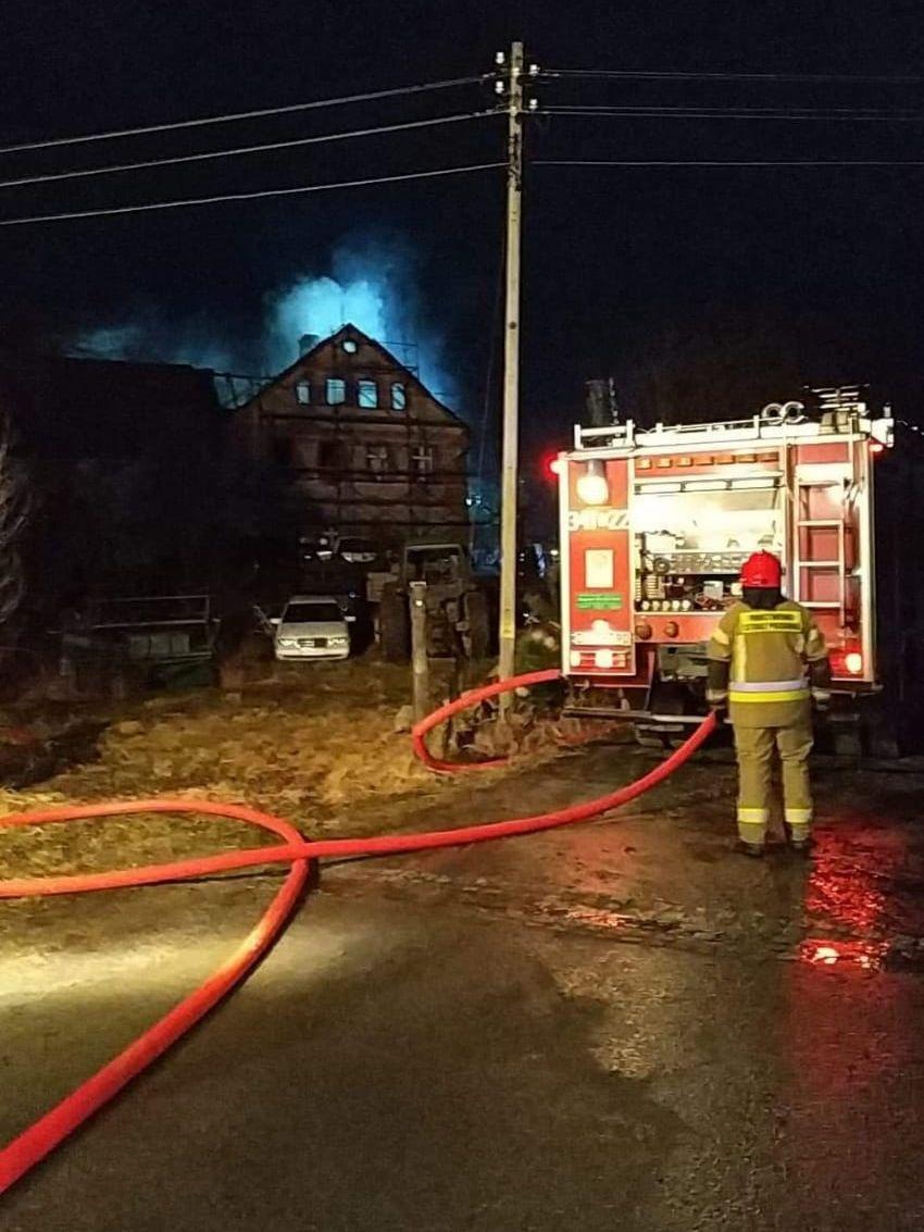 Staniszów: Pożar budynku w Staniszowie