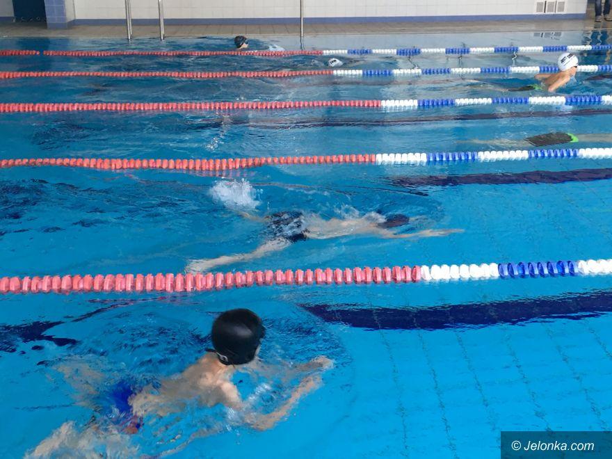 Jelenia Góra: Walka na pływalni