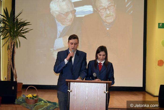 Jelenia Góra: Zmagali się z poezją Tadeusza Różewicza